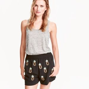 H & M black beaded pineapple dress shorts 6